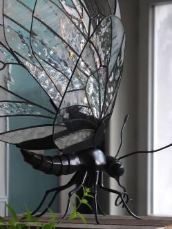 Papillon blanc - oeuvre en collaboration avec le sculpteur Xavier Embise - Tous droits réservés