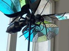 Papillon bleu, oeuvre en collaboration avec le sculpteur Xavier Embise.